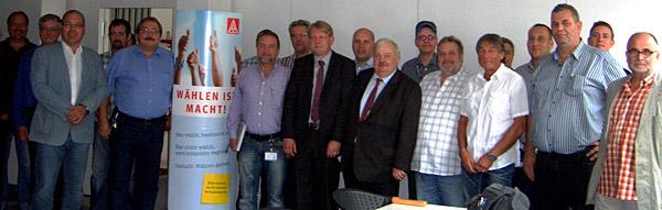 Beim Gespräch von Oberhausener Betriebsräten aus dem Bereich der IG Metall mit NRW-Arbeitsminister Guntram Schneider und dem Bundestagskandidaten Dirk Vöpel wurden das Wahlprogramm diskutiert und Gemeinsamkeiten herausgearbeitet.